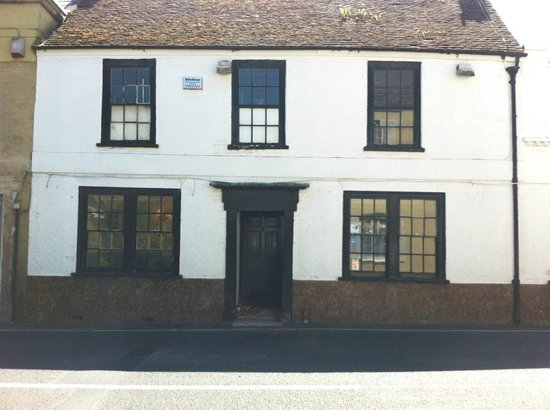 The Eight Bells as seen from the road