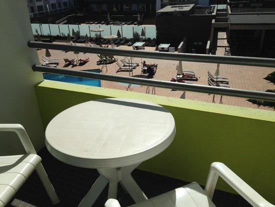 Hotel THe Corralejo Beach: Balcon - vue piscine