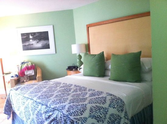The Naples Beach Hotel & Golf Club: Bedroom Patio 56