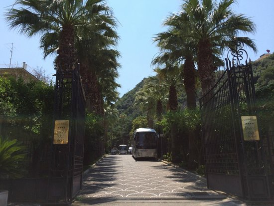 Grand Hotel Parco Del Sole: Entrance