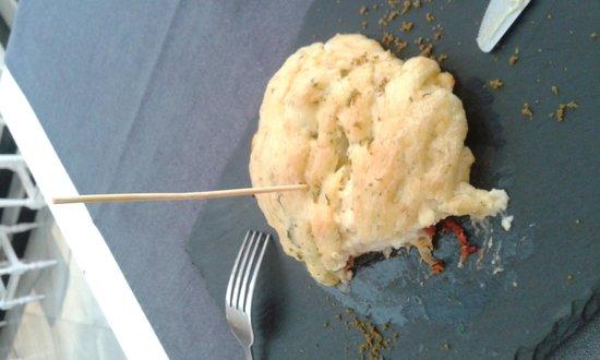 Catalina Casa de Comidas: Milhojas de bacalao. espectacular de bueno
