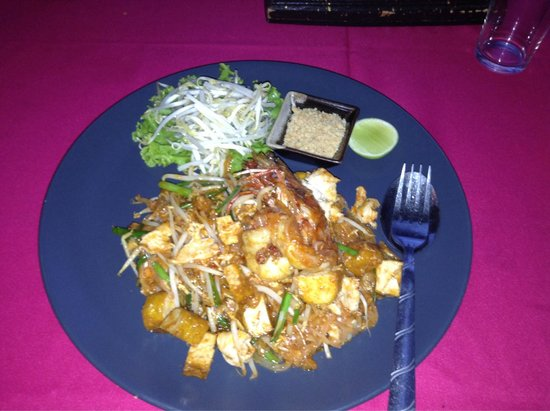 Sabai Ba Bar : Pad Thai chicken with king prawn