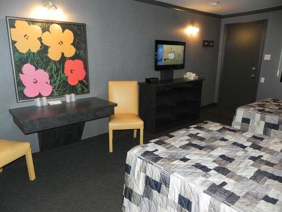 O Motel et Suites: Chambres régulières/Regular rooms