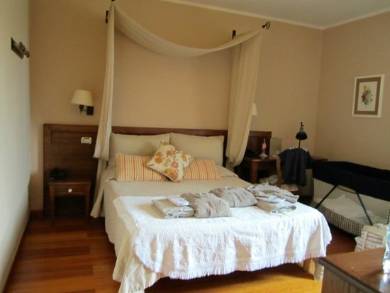 San Giovanni Terme Rapolano: camera ns