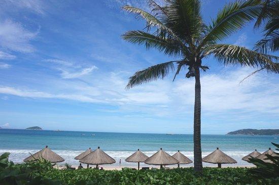 Sheraton Sanya Yalong Bay Resort: Beach