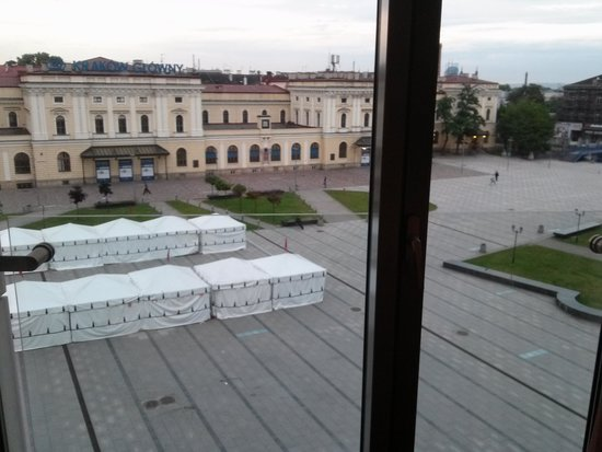 andel's by Vienna House Cracow: view from our window over the back area with market
