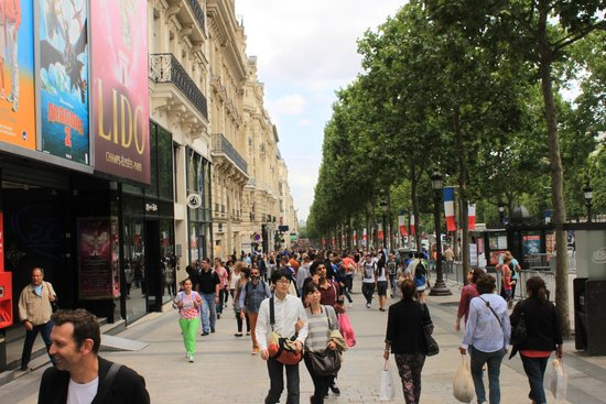 Champs-Elysees: The famed street itself