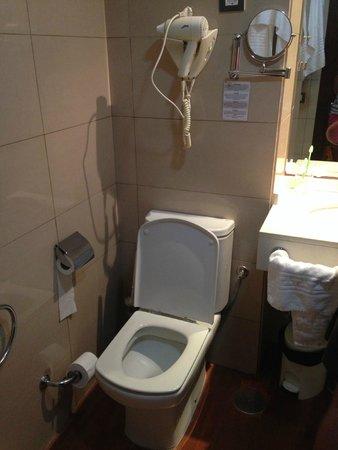 Hotel THe Corralejo Beach: WC