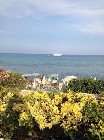 Hotel Fontane Bianche Beach Club: veduta dal ristorante