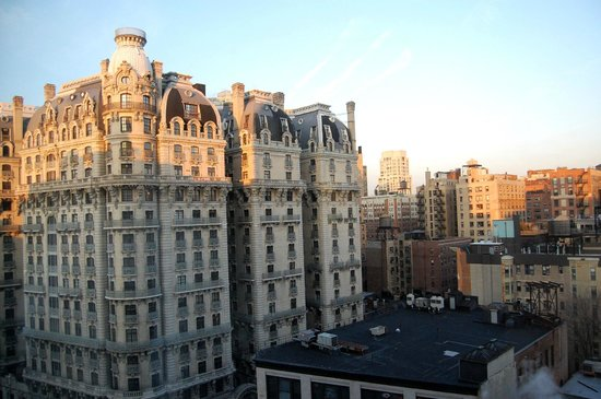 Hotel Beacon: the Ansonia Building (viwe fron the room)