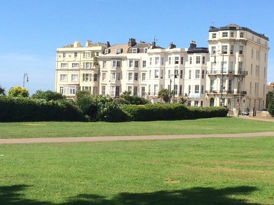 Warrior Square with Hastings House in the middle