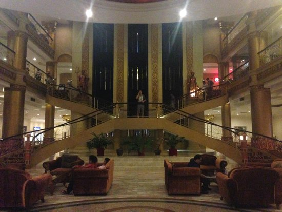 Pacific Palace Hotel: Lobby area