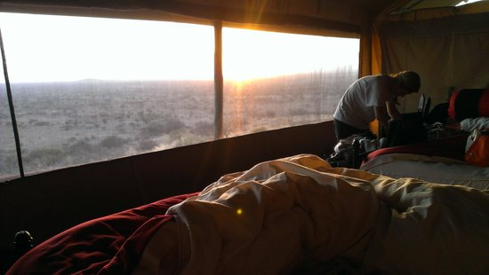 Shu'mata Camp : zonsopkomst vanuit tent