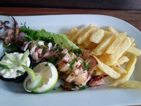 Christos Grill & Seafood: Grilled calamari..!