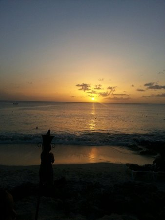 Mango Bay All Inclusive: Beautiful sunset