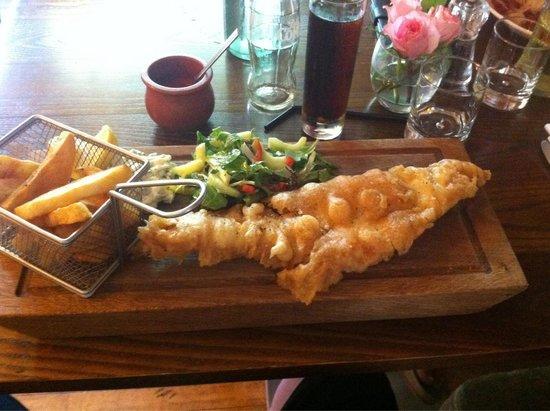 Fife Arms Hotel Restaurant : Haddock n chips