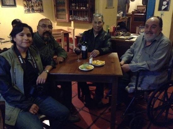 Posada Mandala: Propietario Enrique con visitantes de Aguascalientes