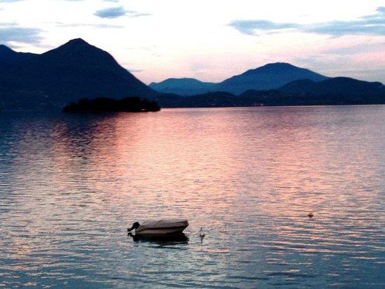 Hotel Rigoli: Sonnenuntergang (vom Balkon)
