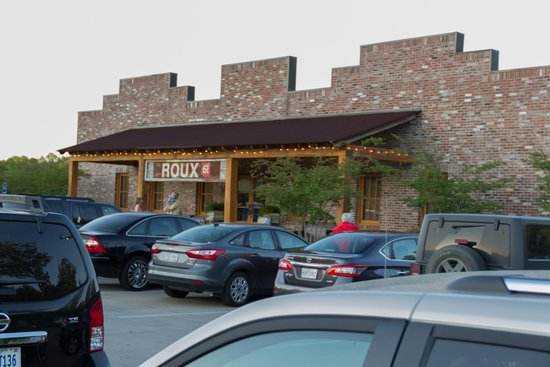 Roux 61 Seafood & Grill: A main entrance