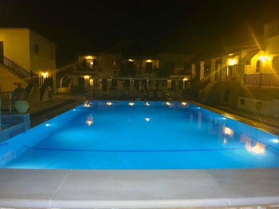 Contaratos Beach Hotel: Contaratos Beach