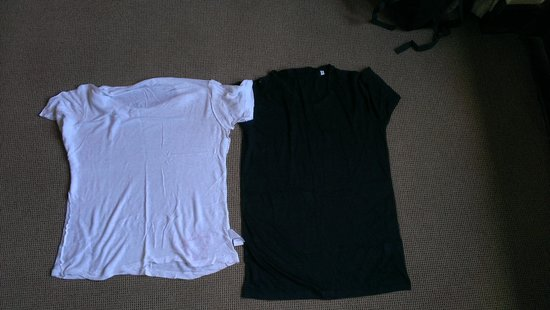 Tarangire Treetops: identieke shirts. witte shirt gekrompen na was ondanks aantekening