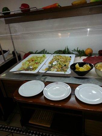 LABRANDA Oasis Mango: salad bar made up of leftovers