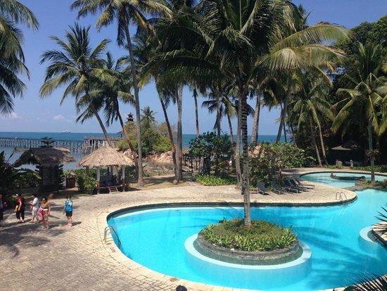Turi Beach Resort: Blue pool