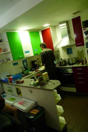 Hostel One Sants: la cocina