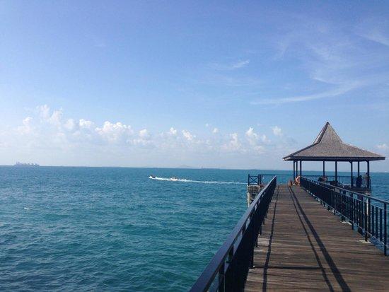Turi Beach Resort: Boardwalk jetty