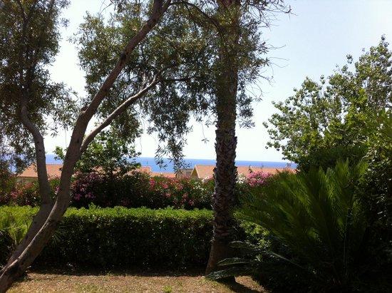 Martinica Hotel Club Residence: Dalla ns villetta sullo sfondo il mare.