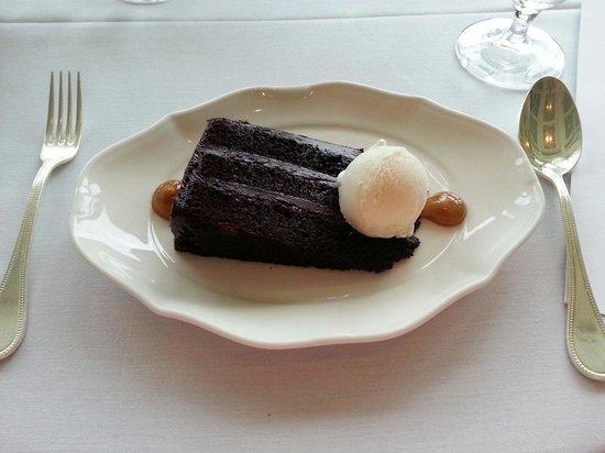 Fossett's: Old Fashioned Chocolate Layer Cake, frozen sweet cream, dulce de leche