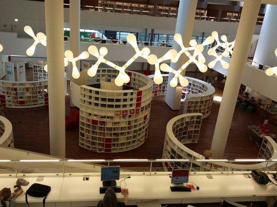 Bibliothèque centrale (Openbare Bibliotheek) : Veduta interna