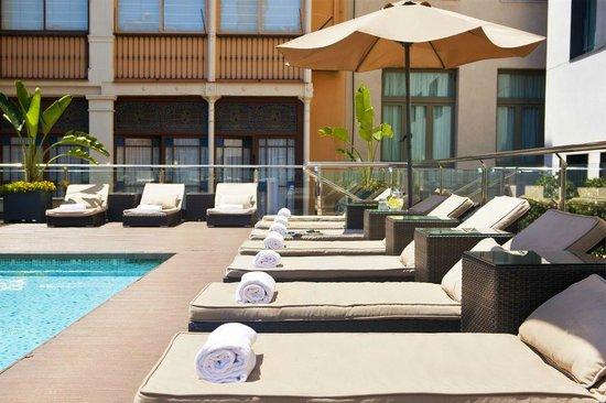 โรงแรมกรูโปเตล กลุบกรันเบีย เซอิสเซียนโตส เซเตนตายโอโช่