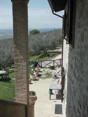 Casale Angelini: Panorama dall'ingresso