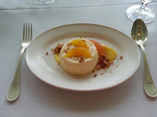 Fossett's: Mascarpone Cheesecake, lemon curd, citrus supremes, graham streusel
