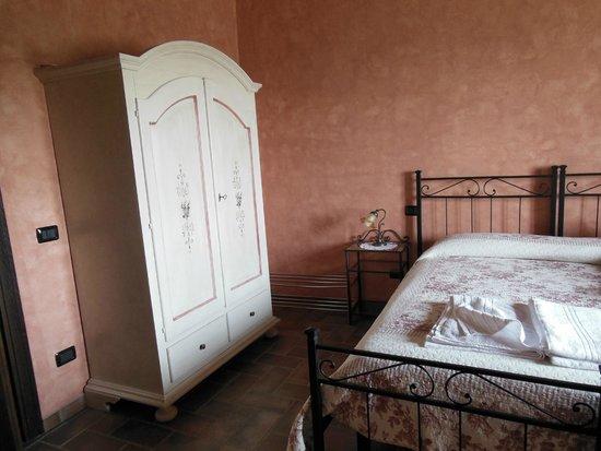 Casale Angelini: camera da letto