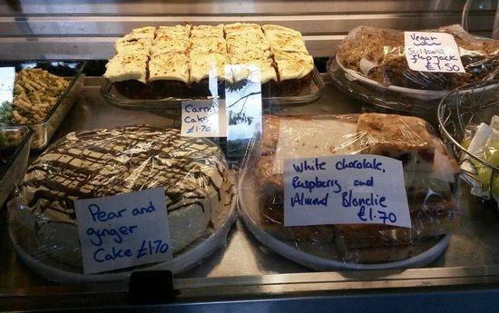 Heeley City Farm Cafe: Handmade cakes !