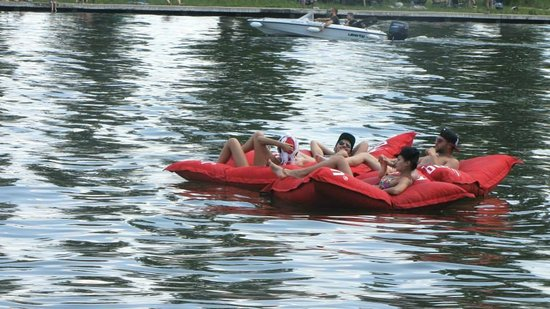 Flyboard Snagov: Relaxing pillows
