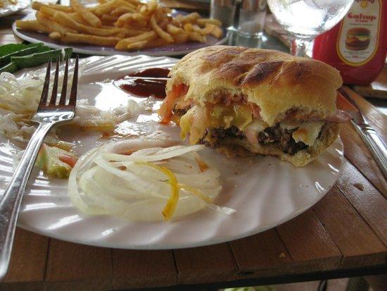 Hotel Playa Cayo Santa Maria: best burger