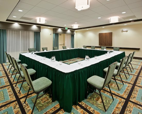 Hampton Inn & Suites Thousand Oaks: Our hotel is the best choice for intimate business meetings and social gatherings