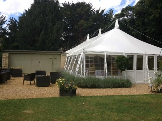 The William Cecil at Stamford: Marquee in the garden