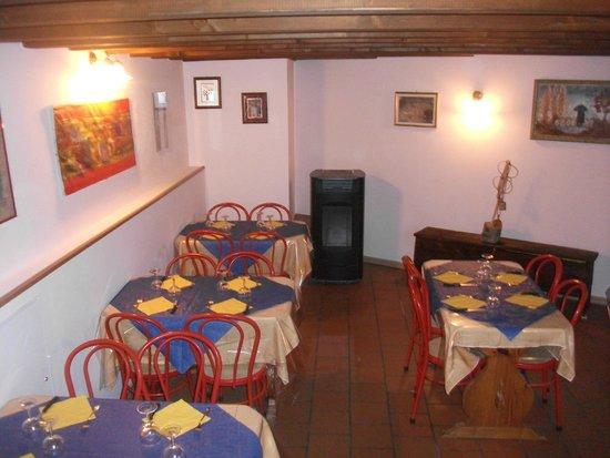 Bar Ristoro Monpey: saletta da pranzo