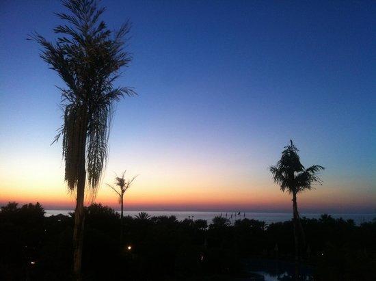 Fiesta Hotel Athènee Palace: Vista del tramonto dalla camera