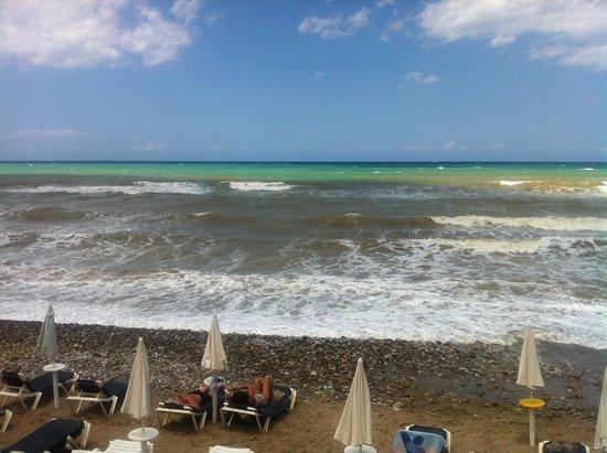 Fiesta Hotel Athènee Palace: Spiaggia