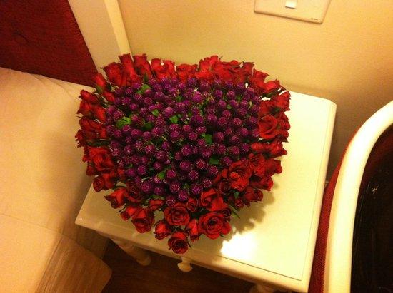 Calypso Grand Hotel: Our flowers