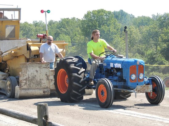 Montgomery, État de New York : Antique Tractor Pulls