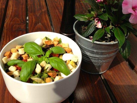 leckerer roastbeef salat bild von pasta deli berlin tripadvisor. Black Bedroom Furniture Sets. Home Design Ideas