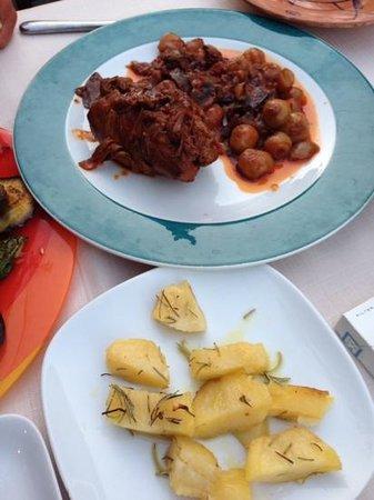 Camaron Restaurant: grilled Vegetables and roast chicken