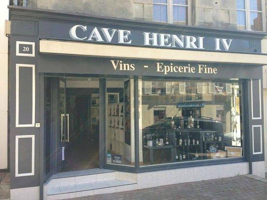CAVE HENRI IV : FACADE