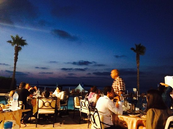 L'Amphitrite Palace : Meal at sunset